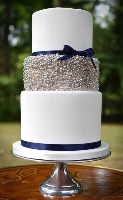 Stunning navy & gray wedding cake: http://www.modwedding.com/2014/10/08/25-wedding-cake-inspiration-striking-color-details/ #wedding #weddings #wedding_cake Featured Wedding Cake: But a Dream Custom Cakes