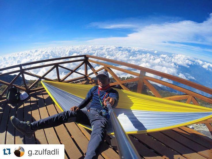 Superb view from laban rata.. Gunung Kinabalu. .. Repost @g.zulfadli  #hacaw #hikersmalaya #hikerskental #dekatje #ikutcarakita #malaysiaoutdoor #hammock #hammockersmalaysia #hammockmalaysia #hammockersindonesia #hammocktime #hammocktown #hammocklife #hammockcamping #hammockanywhere by @hammockers_malaysia