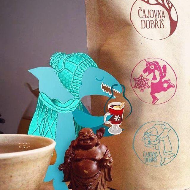 #teatume #teastamp #cajovnadobris #wintertime #klubkotvori #teahouse #teashark Razítka!!!!Dostanete na čelo tak přijďte na čaj na Mňam fest!Jupí jej!✌️☺️🌱☕️🖌