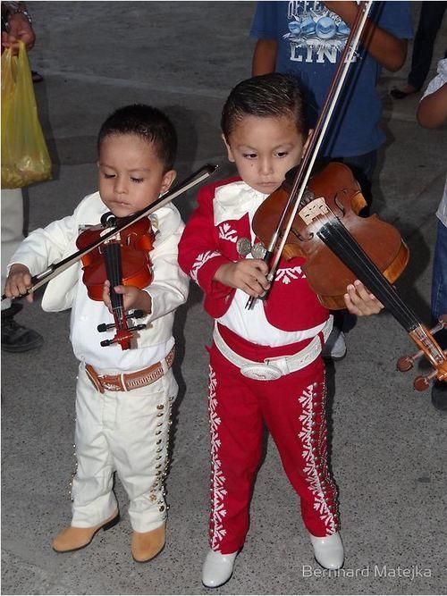 Mariachi kids