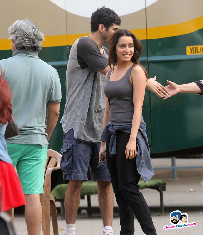 Stars Spotted 2016 -- Aditya Roy Kapoor and Shraddha Kapoor spotted at Mehboob Stu Picture # 332594