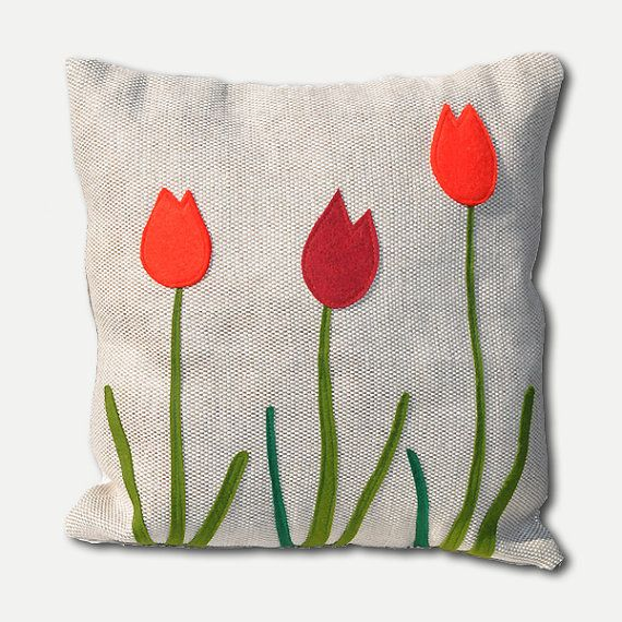Coussin décoratif coussin fleurs tulipes par AgaArtFactory sur Etsy