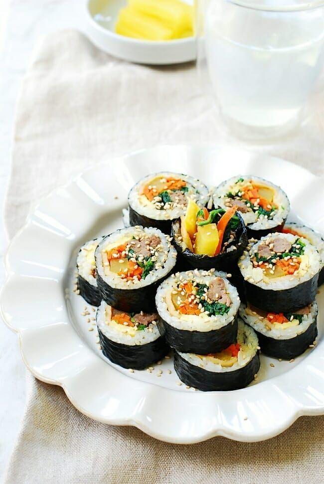 Kimbap Or Gimbap Easy Recipe Korean Bapsang Recipe Gimbap Food Recipes