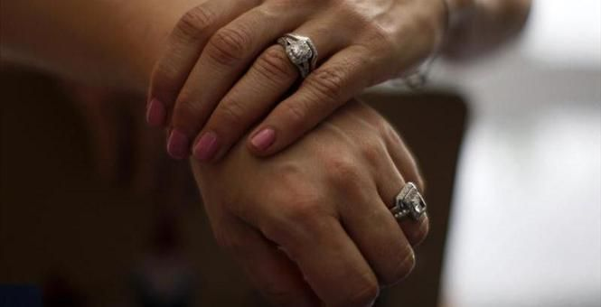 Married gay couples win U.S. marriage tax benefits nationwide Reuters News   Aug 29, 2013