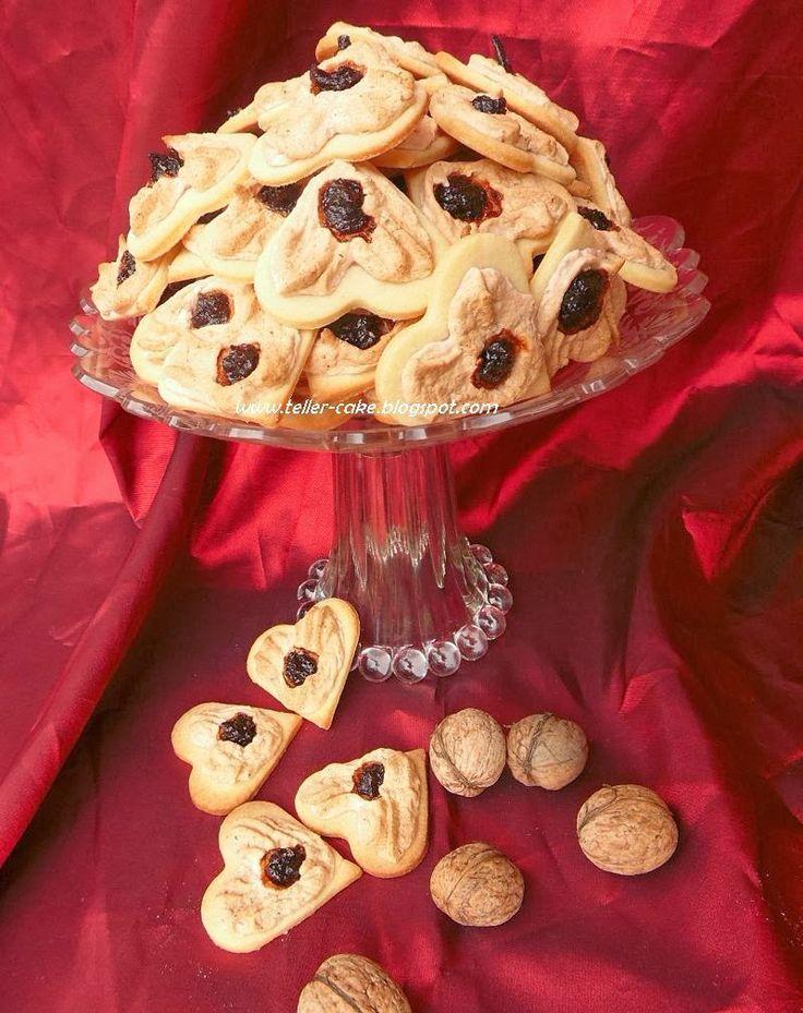 teller-cake: Diós-szilvás szivecske - egy mutatós aprósütemény