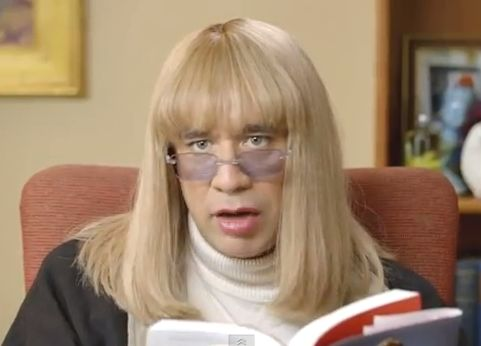 Fred Armisen Dresses in Drag to Play Penny Marshall to Promote Her New Book