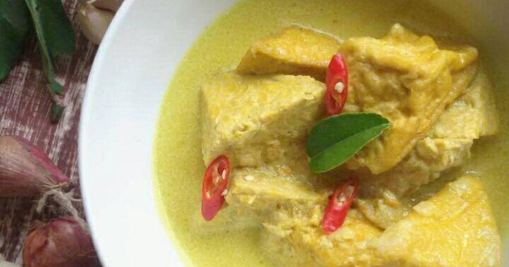 Resep Tahu Tempe kuah kuning favorit. Bingung mau masak apa.kata suami masak tahu dikuah kuning aja.okelah jadinya masak tahu santan.praktis dan enak