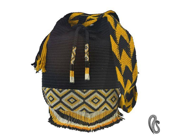 Mochila Najash Black,  Ref : Mochila Najash Mochilas elaboradas por la Comunidad Indígena Wayuu con apliques en chaquiras  elaborados por los indígenas Embera Chami, dos culturas.... dos historias una misma #tentación