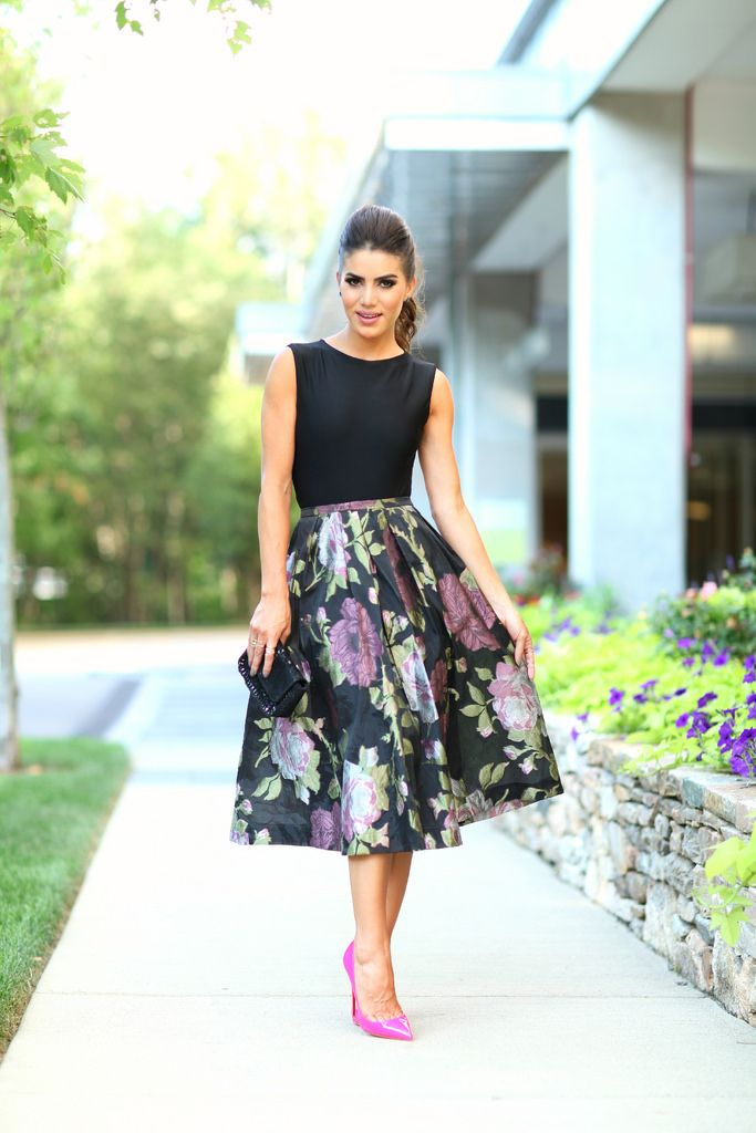 Super Vaidosa » Look do dia: Saia Midi floral com fundo escuro