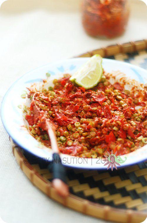 Sambal Pencok (Sambal Terasi with Long Green Beans)