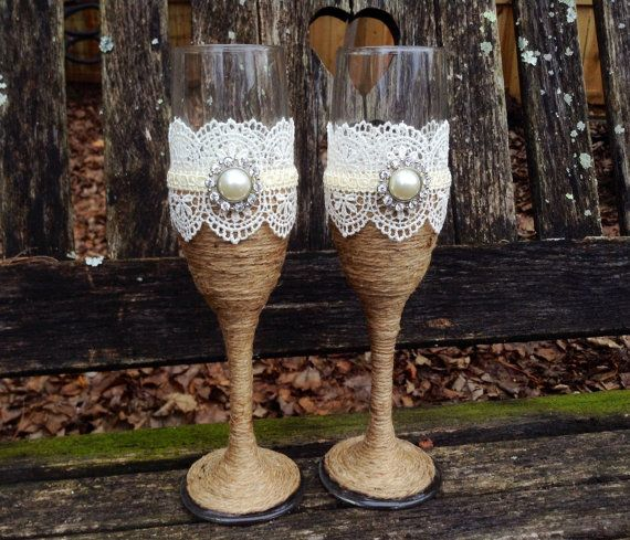Rustic Vintage Chic Toasting Flutes / Rustic Wedding Champagne Glasses / Country Chic Wedding / Burlap and Lace Wedding