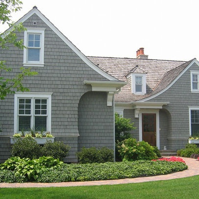 Landscaping a cape cod style home design ideas pictures for Cape cod home landscape design