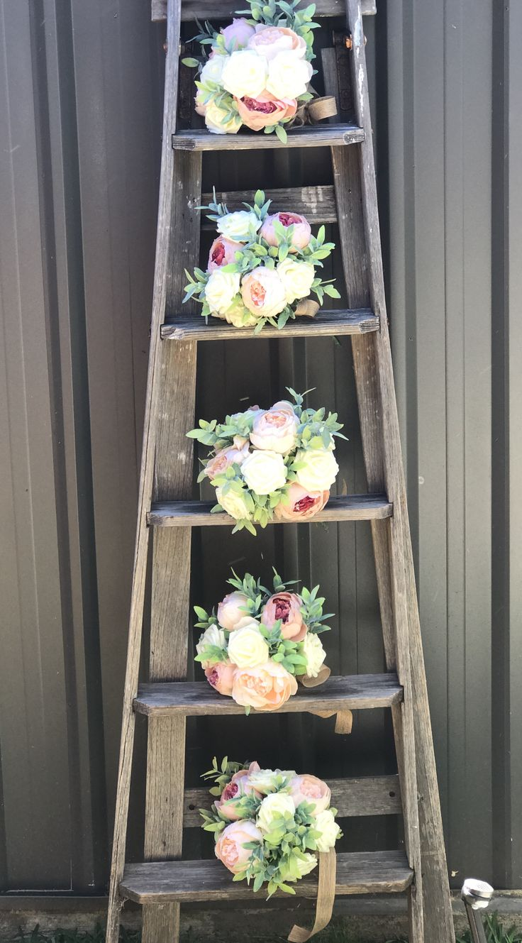 Set of rustic bridal bouquet is with Peoni's and roses