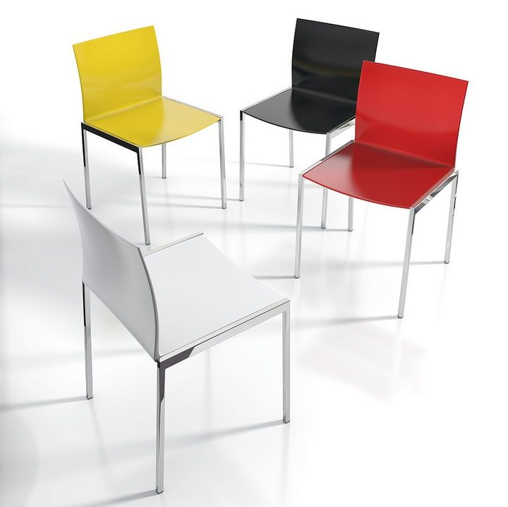 Eros chair. Lacquered seat and metal frame.