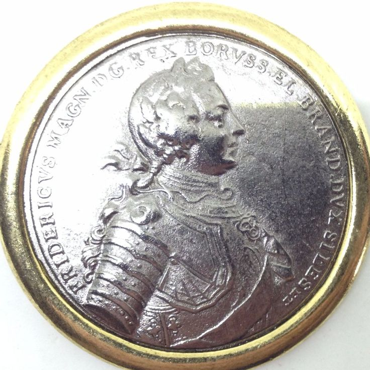 Vintage FREDRICK THE GREAT King of Prussia FAUX COIN BROOCH PIN 2 Tone Jewelry #FredricktheGreat #Vintage