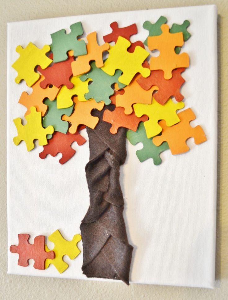 great kid's craft to celebrate the fall autumn season - just some recycled puzzle pieces and paint!