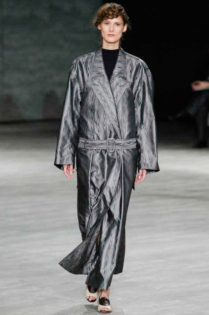 Creatures of the Wind RTW Fall 2014 - For soft feeling, the most common material of lingerie is probably silk. See this long coat, it seems bathrobe.