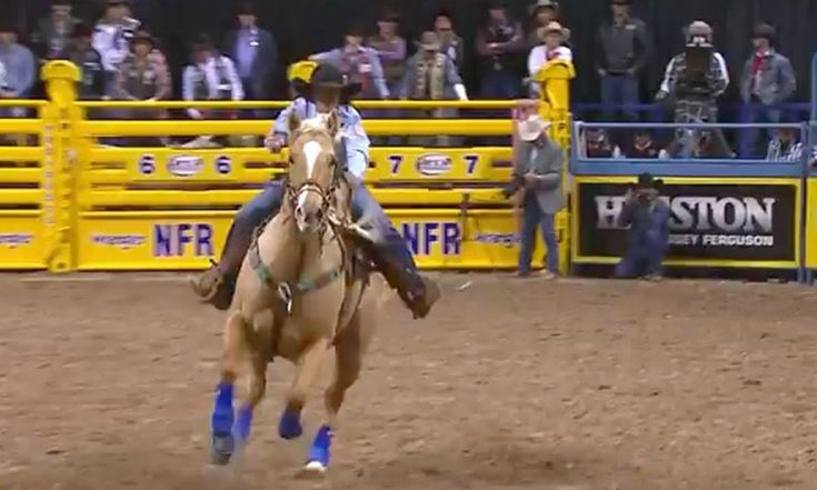 Relive The Moment Hailey Kinsel Broke The Arena Record For Barrel Racing At The WNFR - COWGIRL Magazine