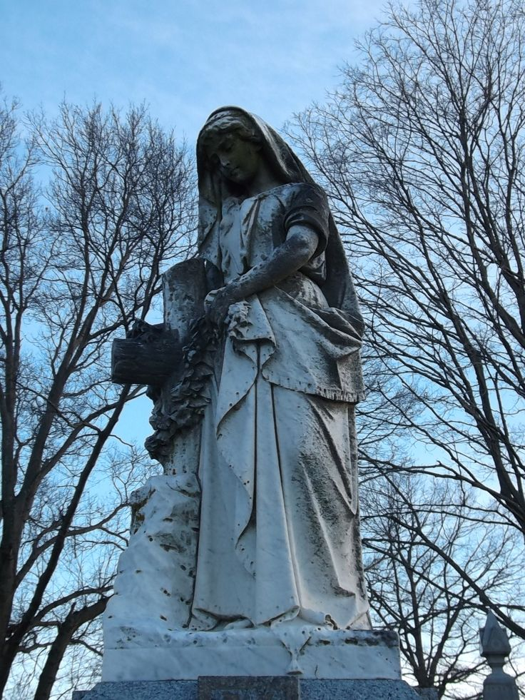 #Cemeteries- Hulse/Miller statue at the Rose Hill Cemetery in Mason, Ohio (Warren) Co.) (1/1) (c) The Funeral Source, photo: Ken Naegele