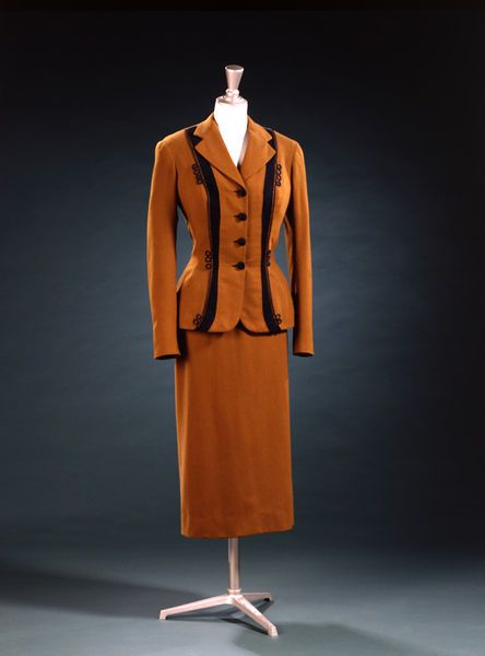 'Toffee' jacket by Charles Creed, Great Britain, 1953. l Victoria and Albert Museum
