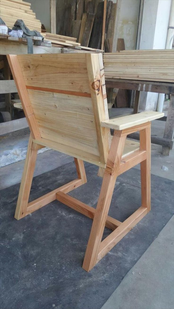 Diy plywood chair - Pallet Chair With Trapezoid Legs
