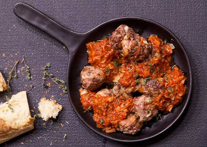 Peter Ayub shows us how to make these delicious Bacon & Ostrich Meatballs with Arrabiata Sauce!
