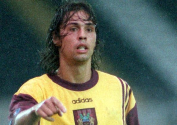 Dutch defender Gentile slams former Burnley boss Waddle