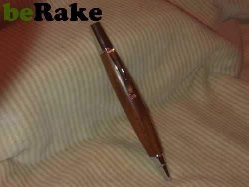 Vendo Bolígrafos realizado en caoba, con mecanismo inglés niquelado...