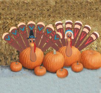 Pumpkin Turkey Woodcraft Pattern Turn an ordinary pumpkin into a turkey by inserting the turkey head and feathers into the pumpkin. #diy #woodcraftpatterns