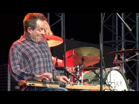 ▶ SEASICK STEVE+JOHN PAUL JONES Last Po' Man GUITARE EN SCENE FESTIVAL 2012 - YouTube