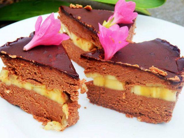 Tort raw cremos cu ananas si banane