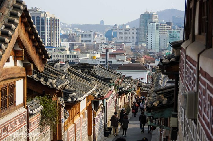 This list includes 25 of the best things to do in Seoul, South Korea. From shopping to sightseeing to food, Seoul is an amazing city with many attractions!