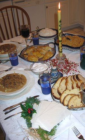 Polish Christmas Customs, Traditions and Recipes: Wigilia or The Star Supper - Christmas Eve in Poland