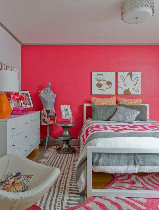 déco chambre ado peinture murale rose et coussins gris