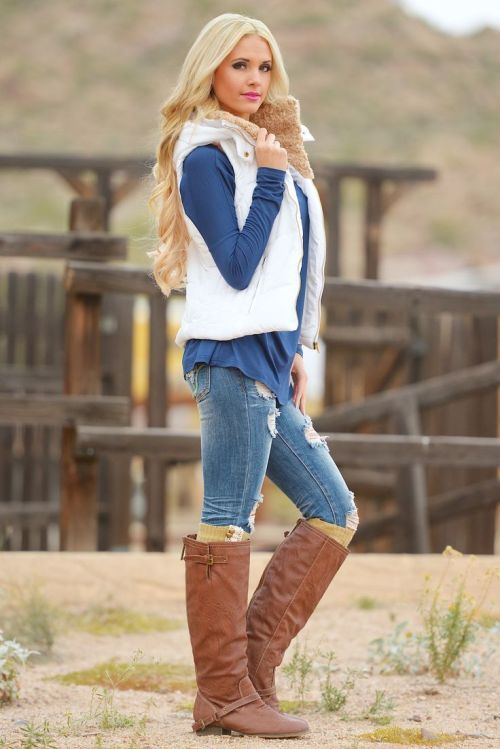 white puffer vest, How to wear  puffer vests http://www.justtrendygirls.com/how-to-wear-puffer-vests/