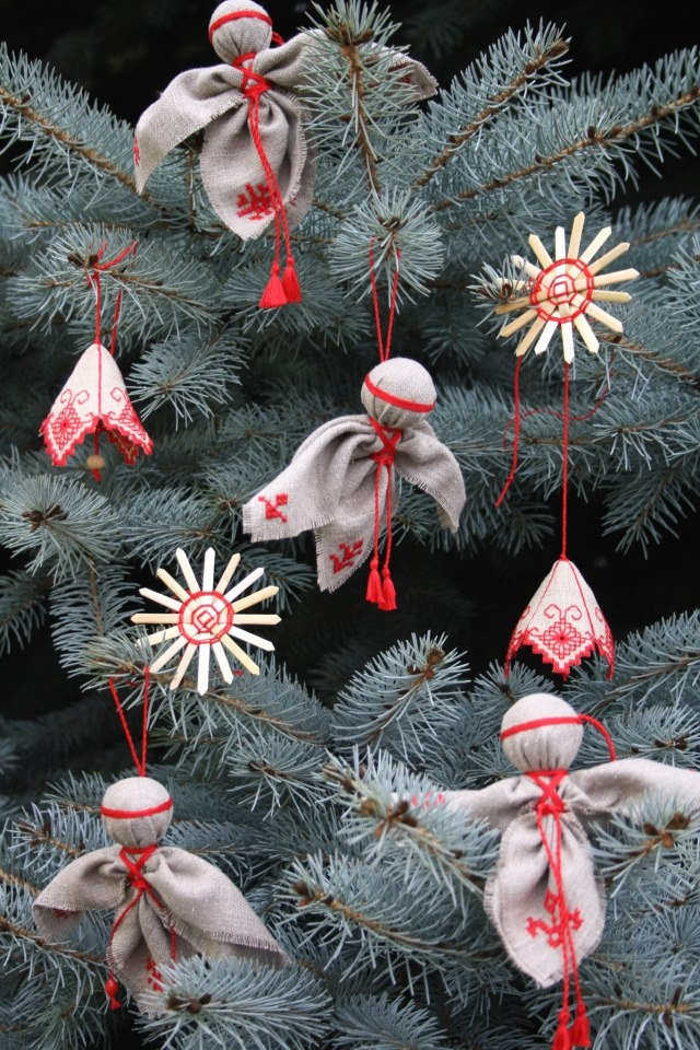 Ukrainian ornaments need to make these for christmas
