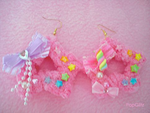 These earrings are super adorable!♥o♥~ They are cute bubblegum pink soft plushy star earrings. Ive decorated them both differently, each with bows, stars, clay charms, pearls, gems and glitter. Perfect for fairy kei/decora girls or just anyone who loves the kawaii fashion♥^ω^♥ The stars ha...