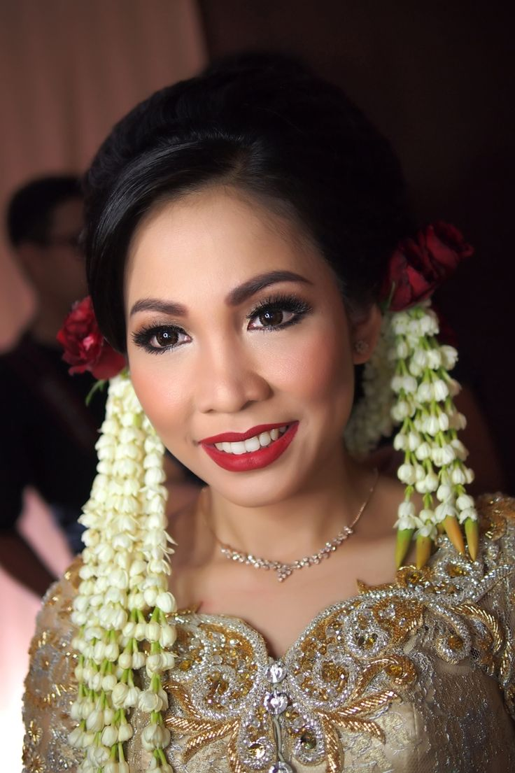 Batak tradition wedding. IG:galmakeup #glowing #colorful