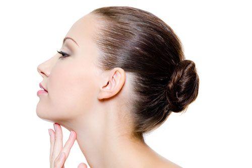 Váš krk budete mať stále pevný, ako labuť, pravidelným aplikovaním týchto úžasných a efektívnych masiek