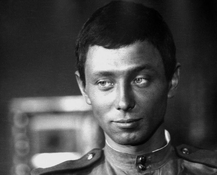 Хочу, чтобы вы почитали этот рассказ об Олеге. Написал его Виктор Викторович Конецкий, живший в Ленинграде по соседству с семьей Даля. Ведь, что такое сила слова?…