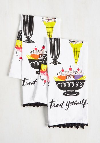 This vibrant pair of cotton tea tea towels are 'cheer' to tell you to have a nice 'sundae' with its colorful confections and black script speaking of positivity. What a pleasant reminder that planning your next ice cream outing is always worth it!