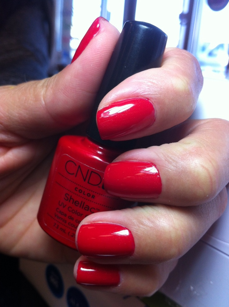 Shellac, Hollywood Red. @Luxury Spa and Nails alb, NM