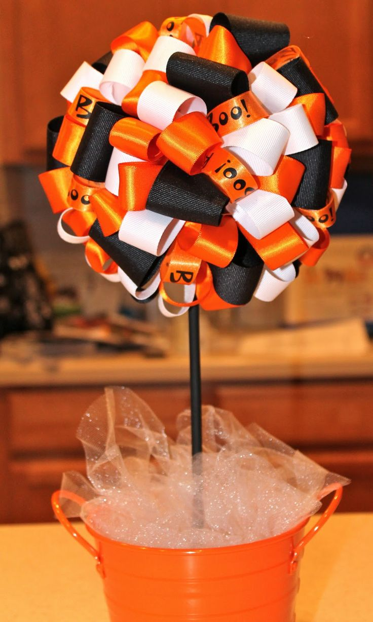 Desperate Craftwives: Halloween Ribbon Topiary
