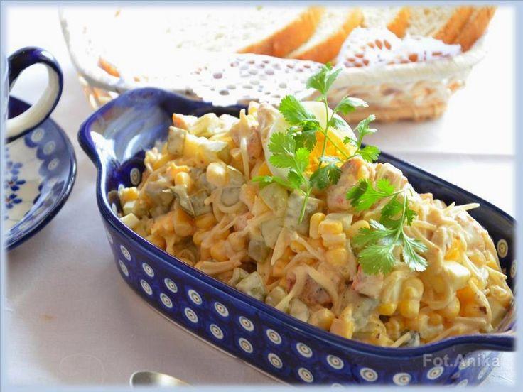 Domowa kuchnia Aniki: Sałatka z kurczakiem i selerem konserwowym