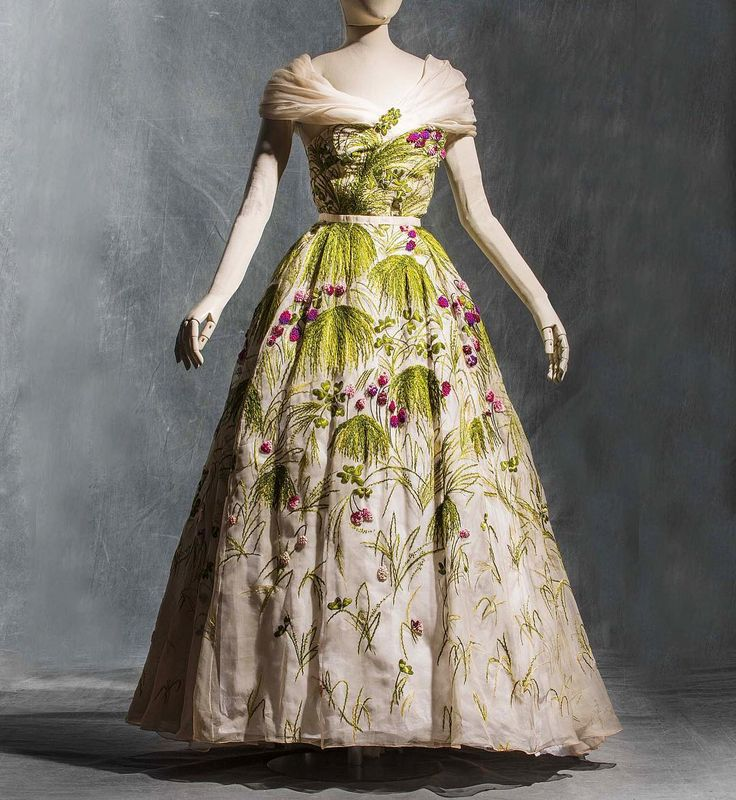 """""""May"""" evening dress, by the House of Dior, ca. 1953. Les Arts Décoratifs"""