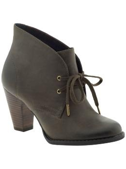 Indigo by Clarks Water Row: Perfect low-heel bootie to transition from Fall to Winter. Adorable with dresses / skirts + tights / socks!