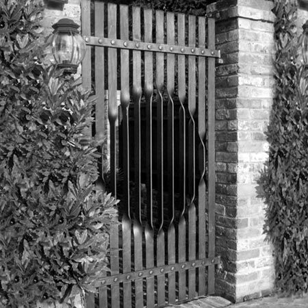 Pool Gate: Circular 'twist' design