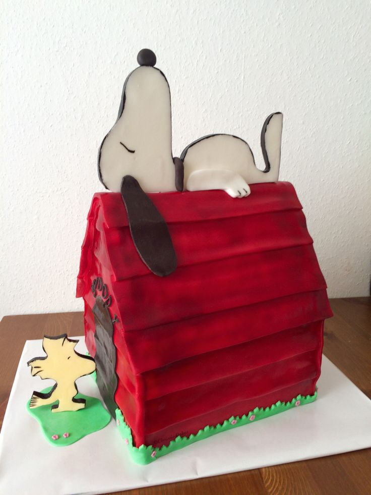 97 best Chrissis Cakes images on Pinterest Cakes Birthday cakes