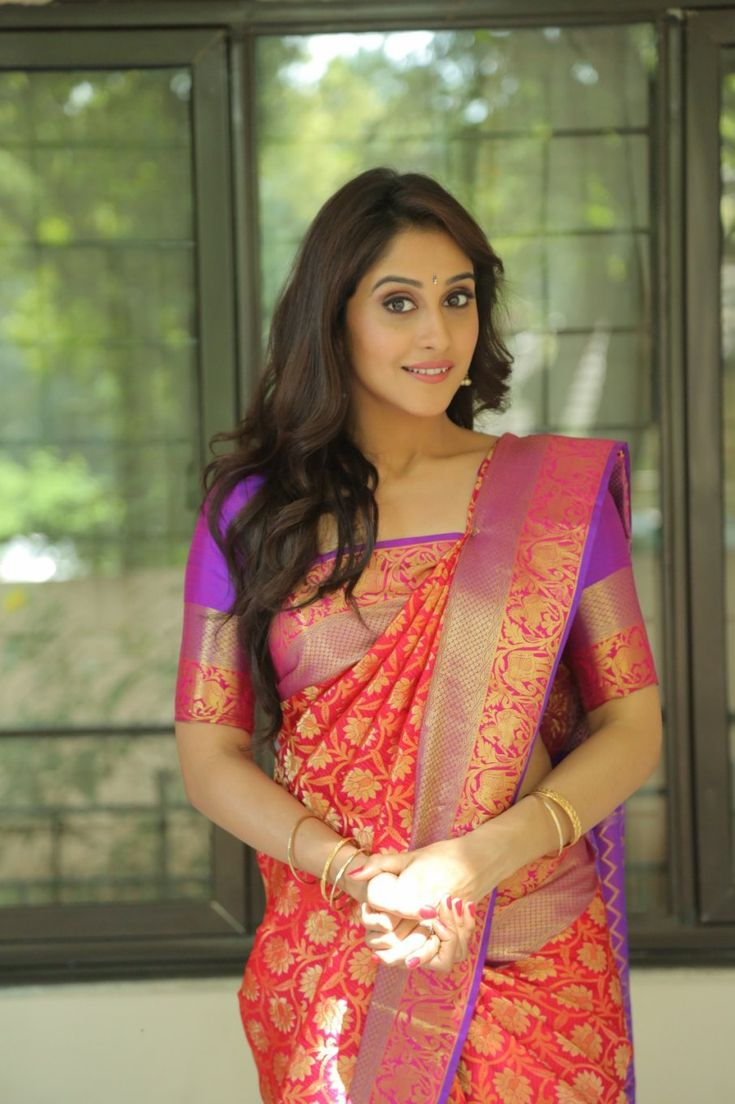 Regina Cassandra At Shopping Mall Launch In Red Saree - Tollywood Stars