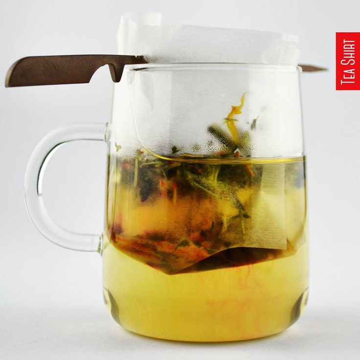 We love this cup-size #filter and the reusable filter stick, #perfect for #looseleaf #tea! We hope you've enjoyed the long weekend  #herbaltea #teafilter #glassware #teacup # #TeaShirt #teashirtlondon #teashirtaccessories #teaplease #tealover